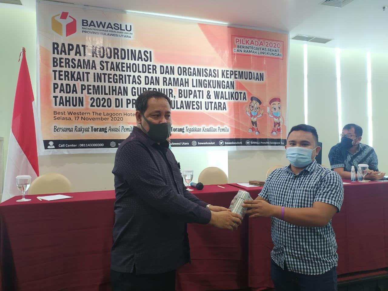 Divisi SDM dan Organisasi Bawaslu Provinsi Sulawesi Utara gelar Rapat Koordinasi Bersama Stakeholder dan Organisasi Kepemiluan Terkait Integritas dan Ramah Lingkungan Pada Pemilihan Gubernur, Bupati, dan Walikota Tahun 2020